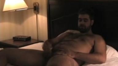 jerk off in hotel room